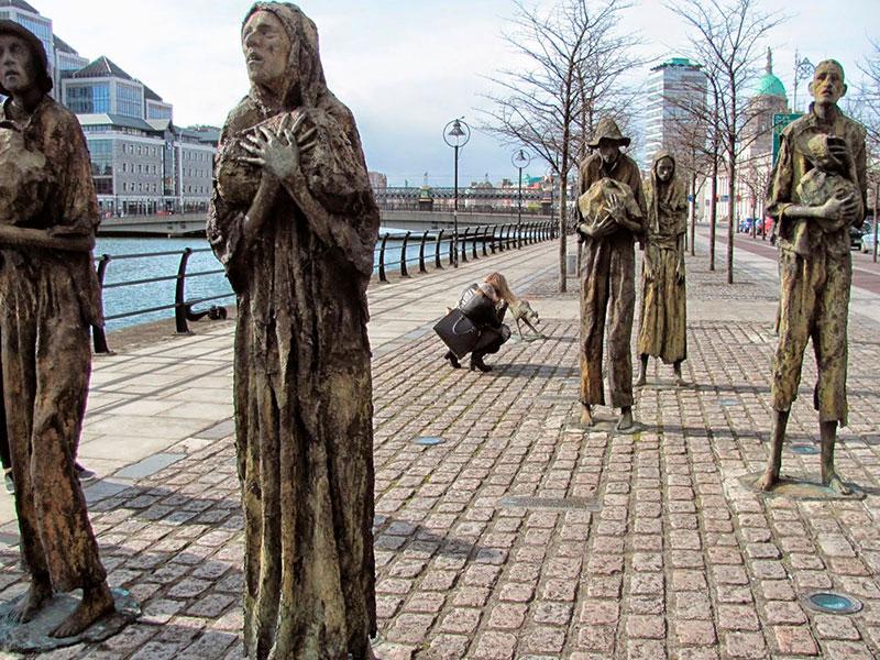 Monumento a la hambruna en Dublin
